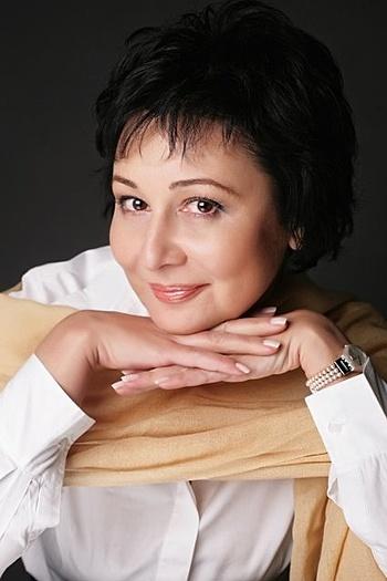 Aida age 54