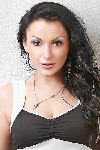 Larisa age 45