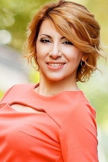 Natalia age 52