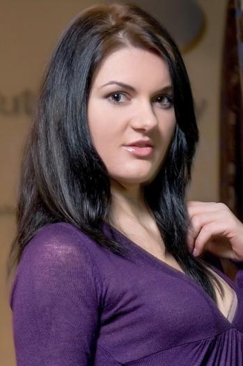Natalia age 25