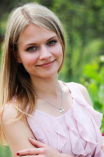 Anna age 23