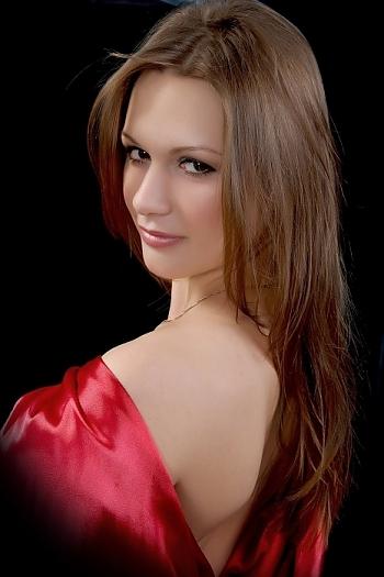 anna age 26