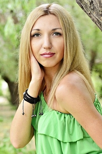 Valentina age 31