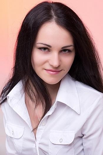 Victoria age 24