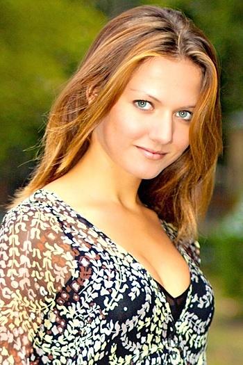 Valentina age 23