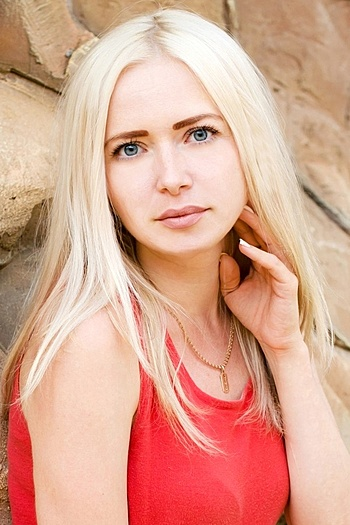 Julia age 33