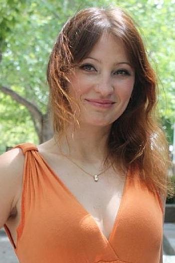 Viktoriya age 40