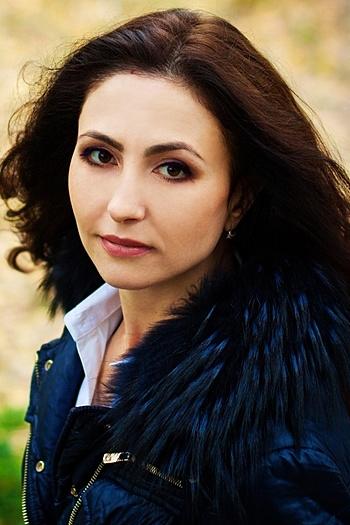 Oksana age 43
