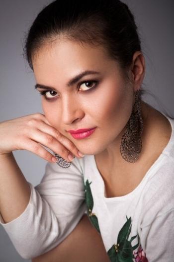 Arina age 30