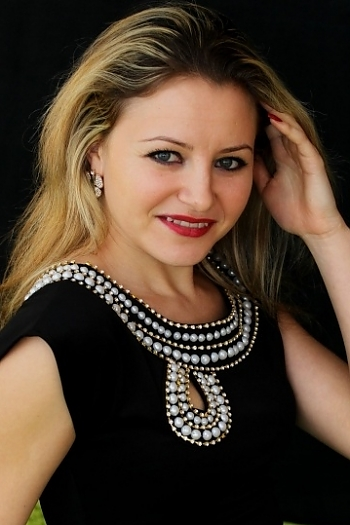 Olesya age 31