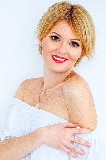 Elena age 38