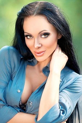 Uliya age 26