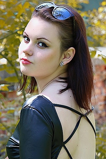 Anna age 22