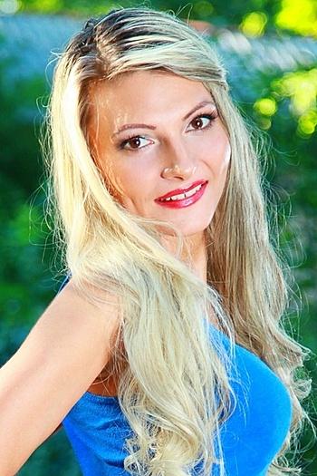 Yuliya age 34