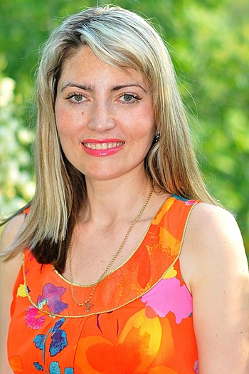 Anna age 47