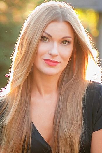 Yana age 37