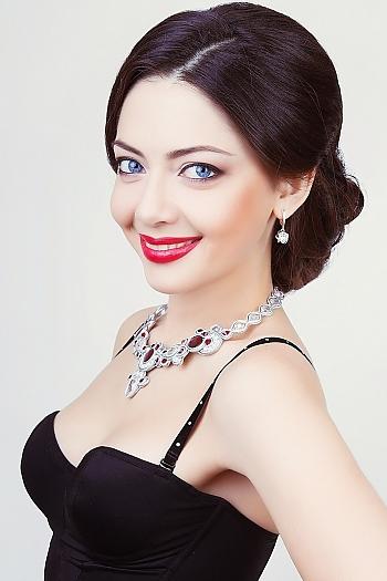 Elena age 34