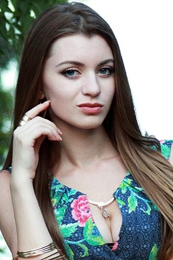 Alexsandra age 22