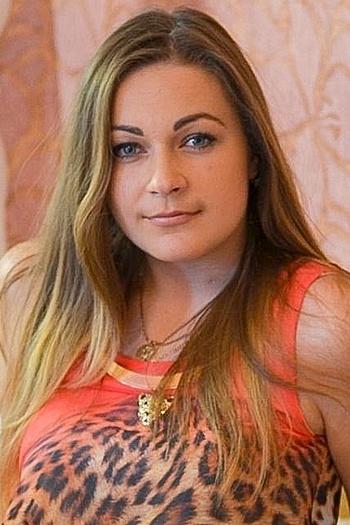 Oksana age 24