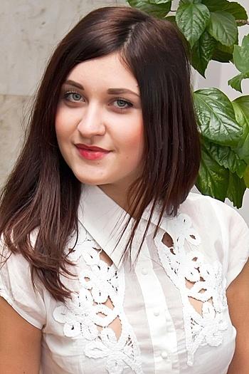Viktoria age 23