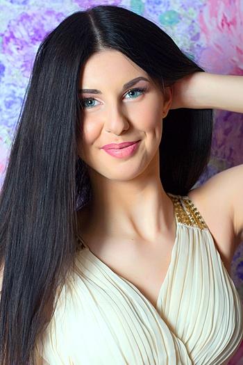 Alisa age 22