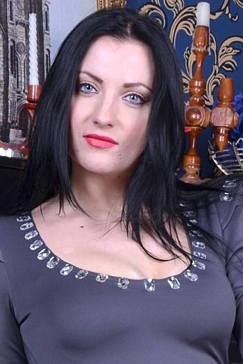 Alexandra age 30