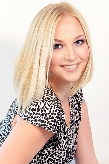 Anna age 24