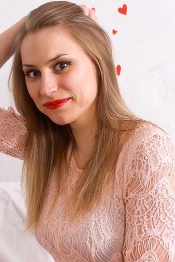 Yulia age 27