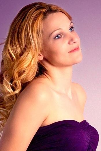 Tatiana age 33