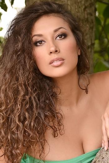 Viktoria age 26