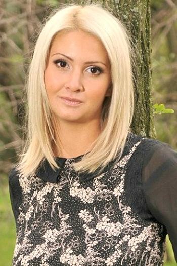 Yulia age 31