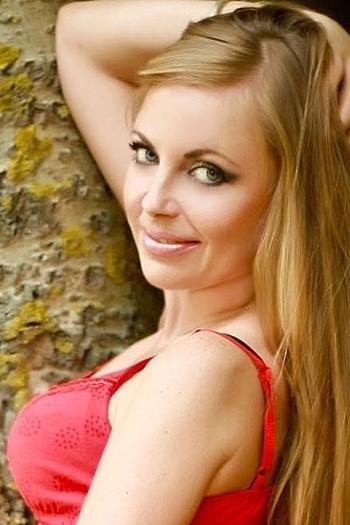 Natalia age 38
