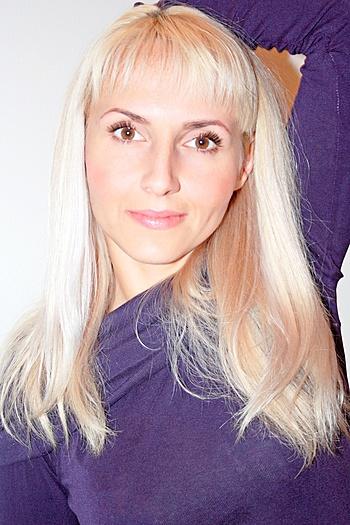 Anzhela age 38