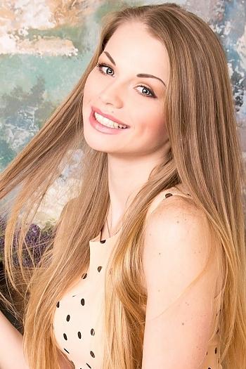 Anastacia age 27