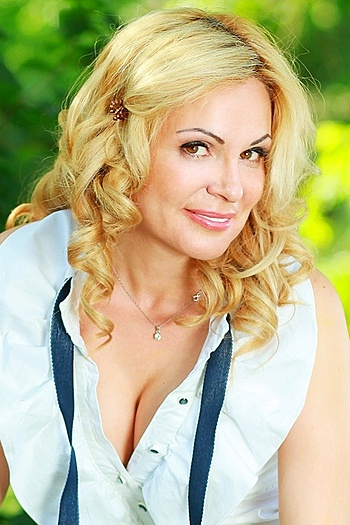 Natalia age 43