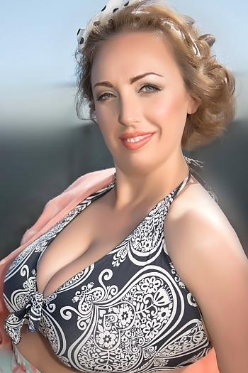 Inna age 42