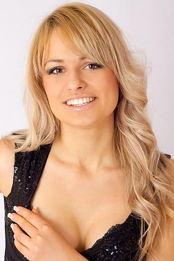 Olena age 39
