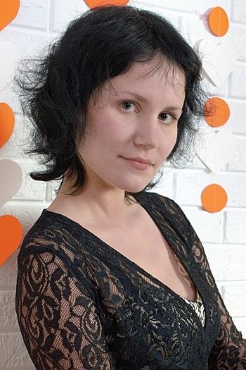 Oksana age 33