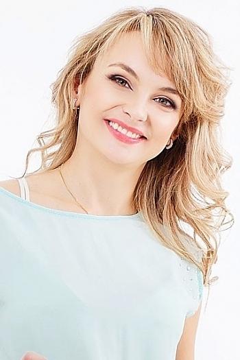 Yulia age 36