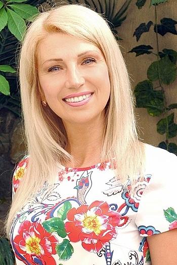 Julia age 46