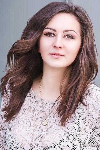 Alina age 21