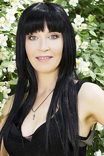 Oksana age 40