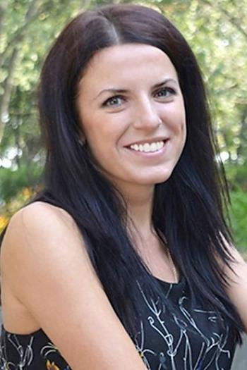 Anna age 32