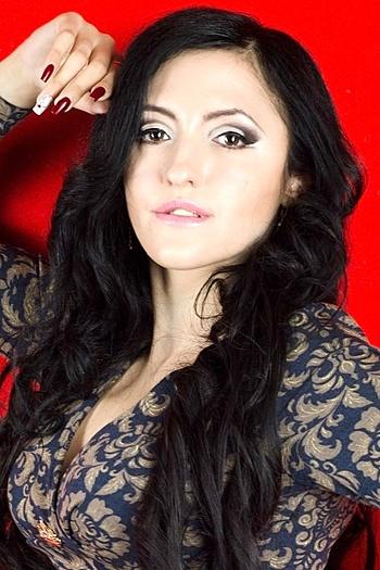 Viktoriya age 30