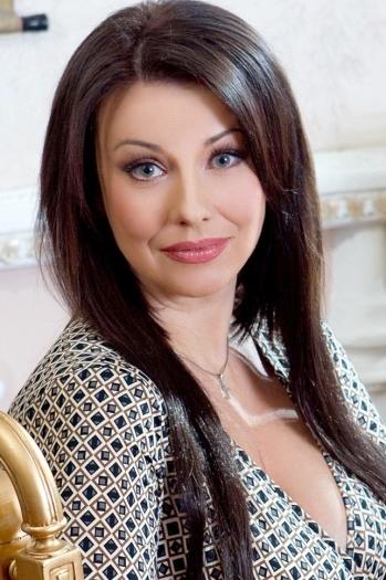 Oksana age 48