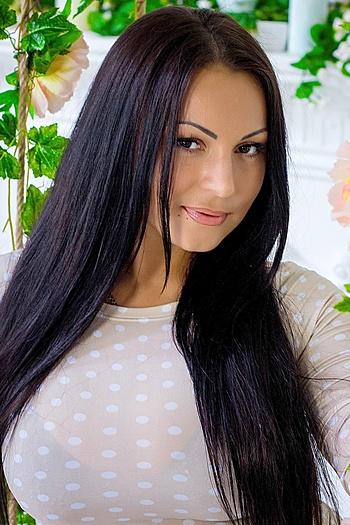 Anastasia age 28