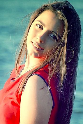 Viktorija age 21