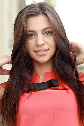 Valeriya age 23
