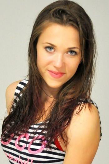 Anastasia age 22