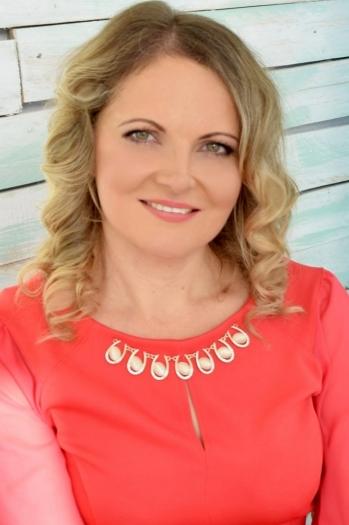 Lyudmila age 42